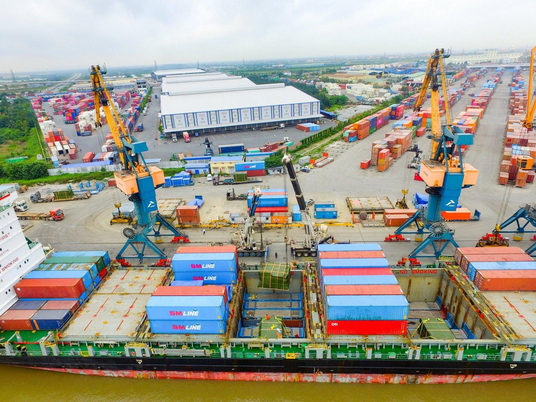 Cảng Hải An khai thác thành công lô hàng siêu trọng của hãng tàu SML