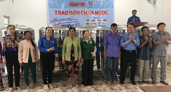 HaiAn group trao 200 bồn chứa nước inox cho người dân bị ảnh hưởng hạn mặn ở Sóc Trăng