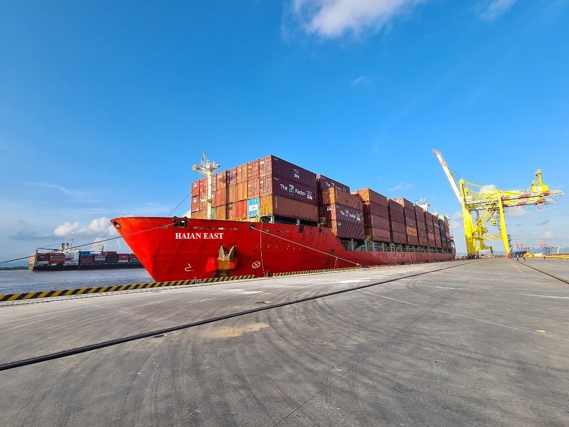 Tàu HAIAN EAST chạy chuyến đầu tiên trên tuyến Bắc Nam